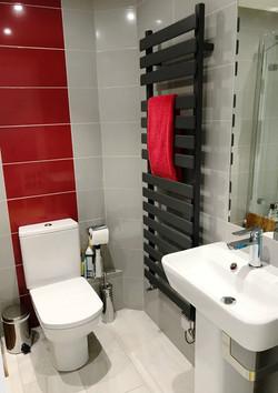 Bay new dbl bedroom bathroom_edited