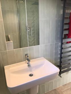 bay master bathroom sink