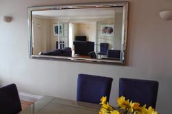 lounge through mirror