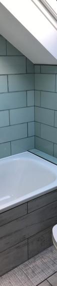 Bay right twin en-suite bathroom.JPG