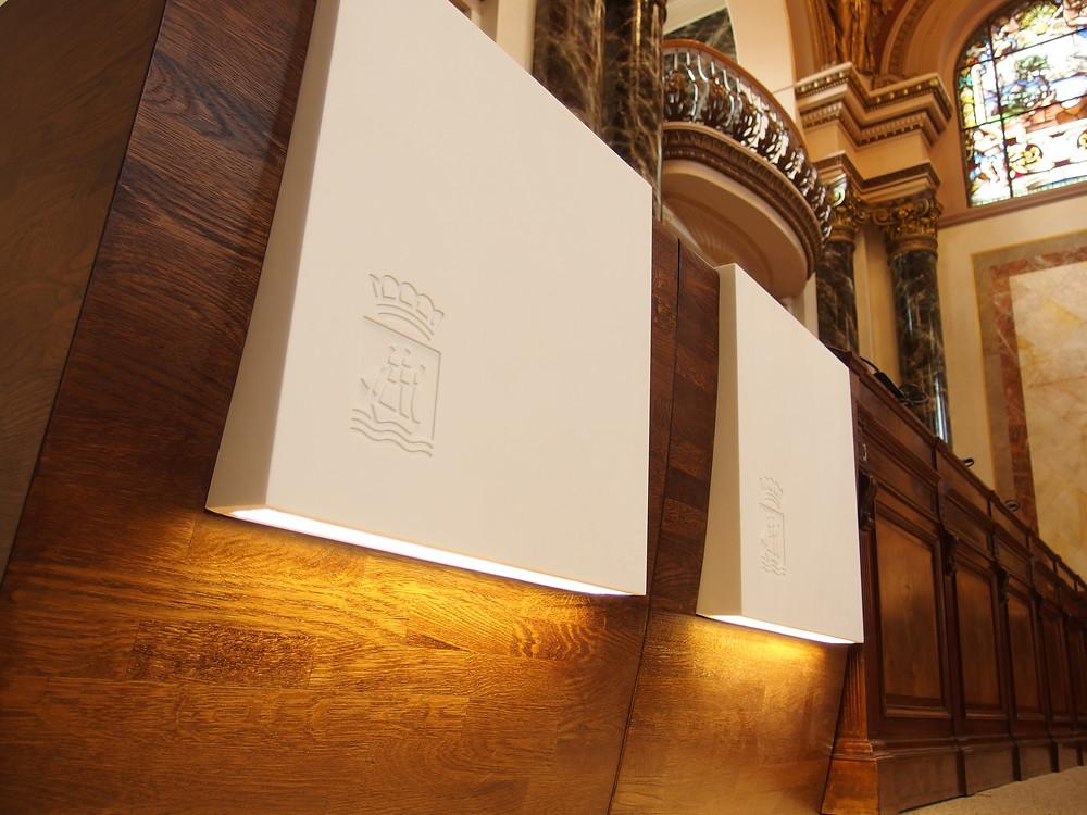 Escudo muebles Krion concejales Donostia San Sebastian Barrutieta