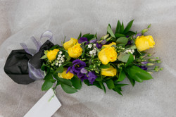 Kimppu 40e (ruusu,eustoma,koristetupakka)