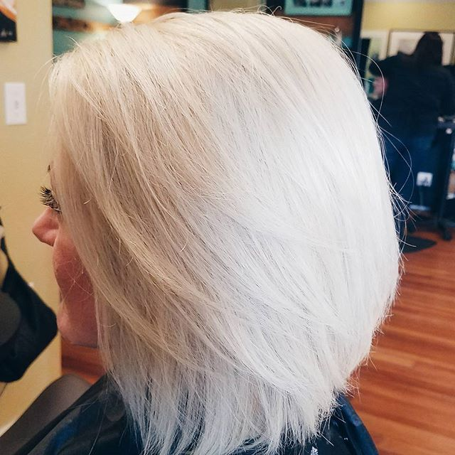 when you get that perfect shade of ice blonde 👊❄👱_•_•_•_#iceblonde #blondehair #platinumblonde #ic