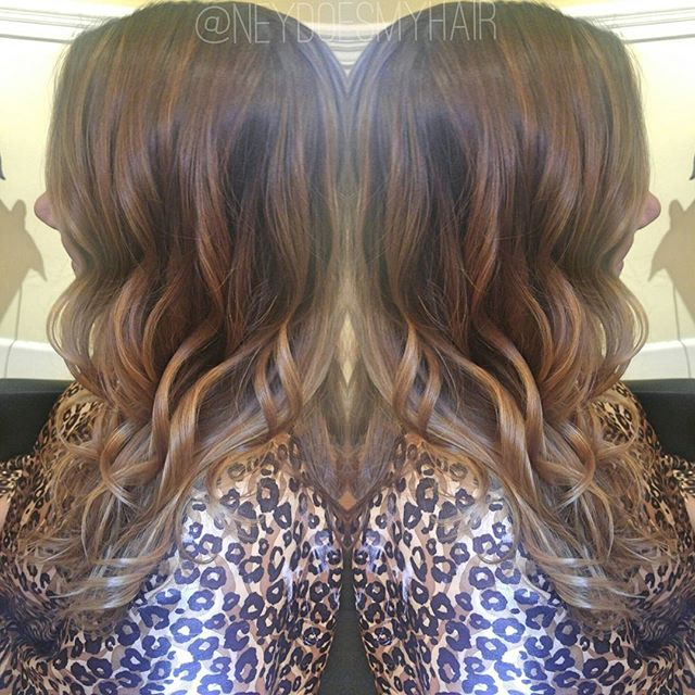 Loving this natural looking balayage on Kirsten! 🙌👌✨