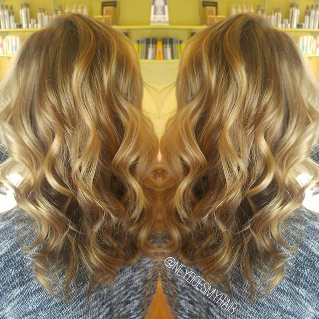 Natural blonde curls 💋