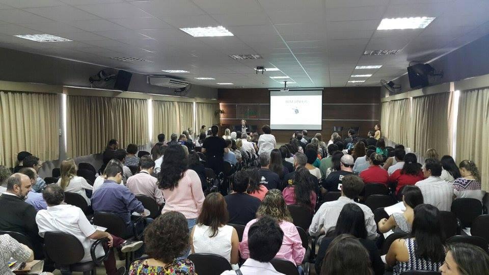 Primeiro encontro da RIS em Curitiba.