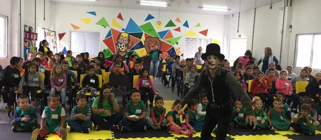 Com ações que duram o ano todo, Programa Guritiba promove acesso à cultura a crianças em situação de