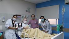 Por meio de videochamadas, grupo de palhaçaria profissional amplia área de atuação e chega a hospita