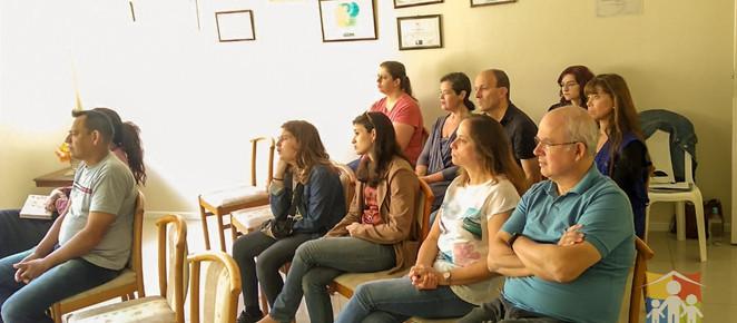 Famílias de Curitiba serão treinadas para acolher temporariamente crianças protegidas pela justiça