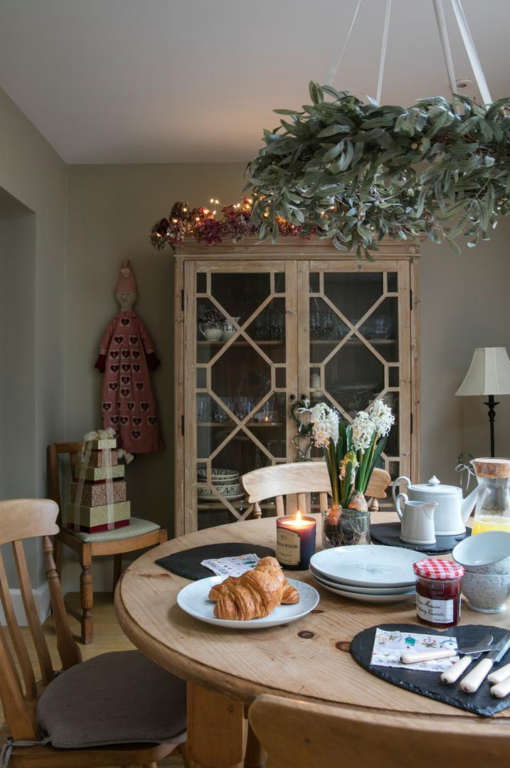 breakfast room interior design.jpg