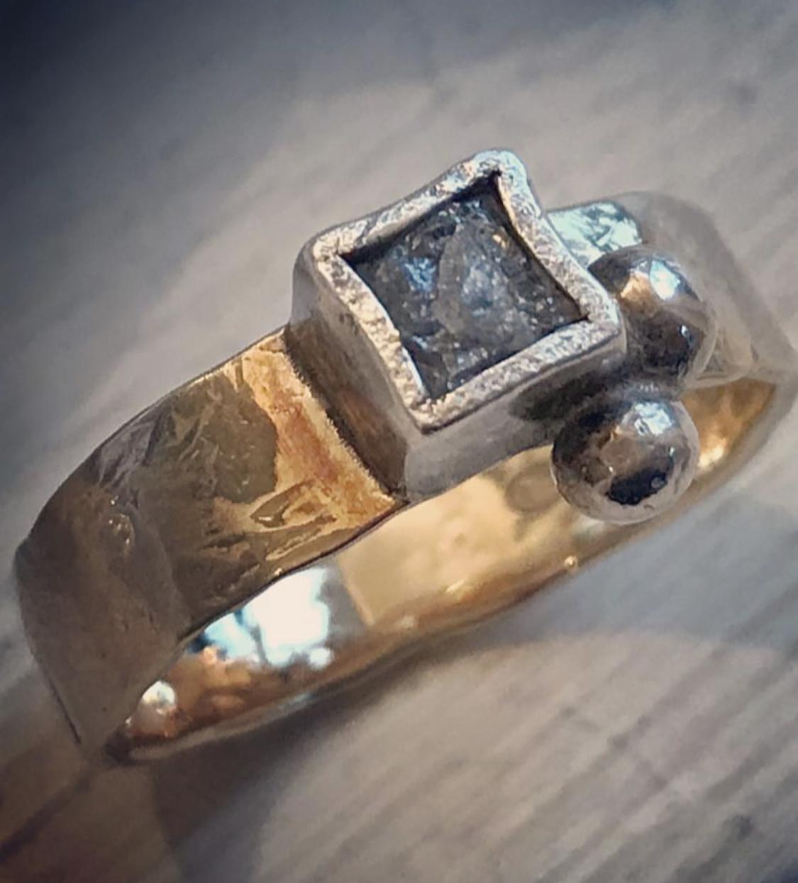Rough diamond square ring