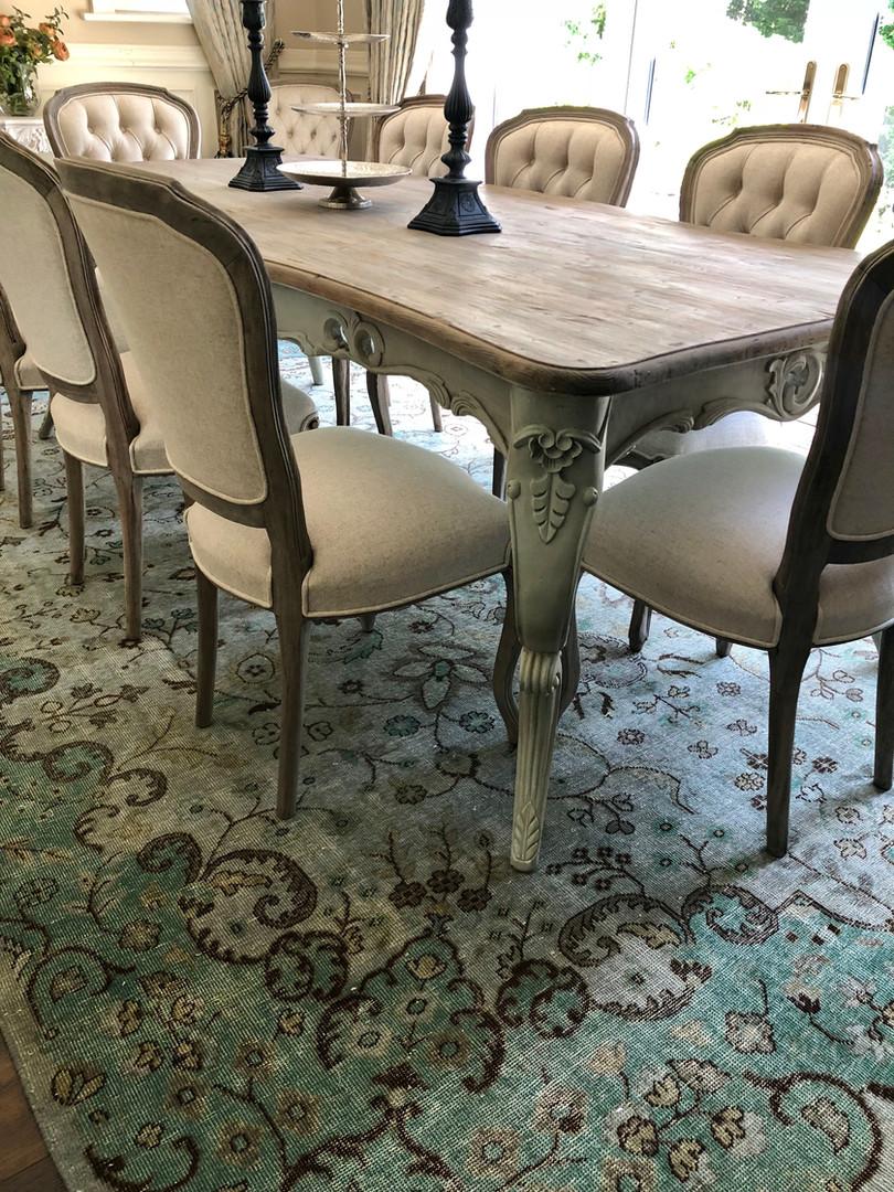 dining room rug.jpg
