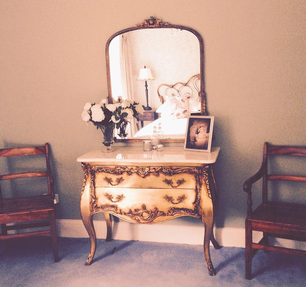interior design, gold chest