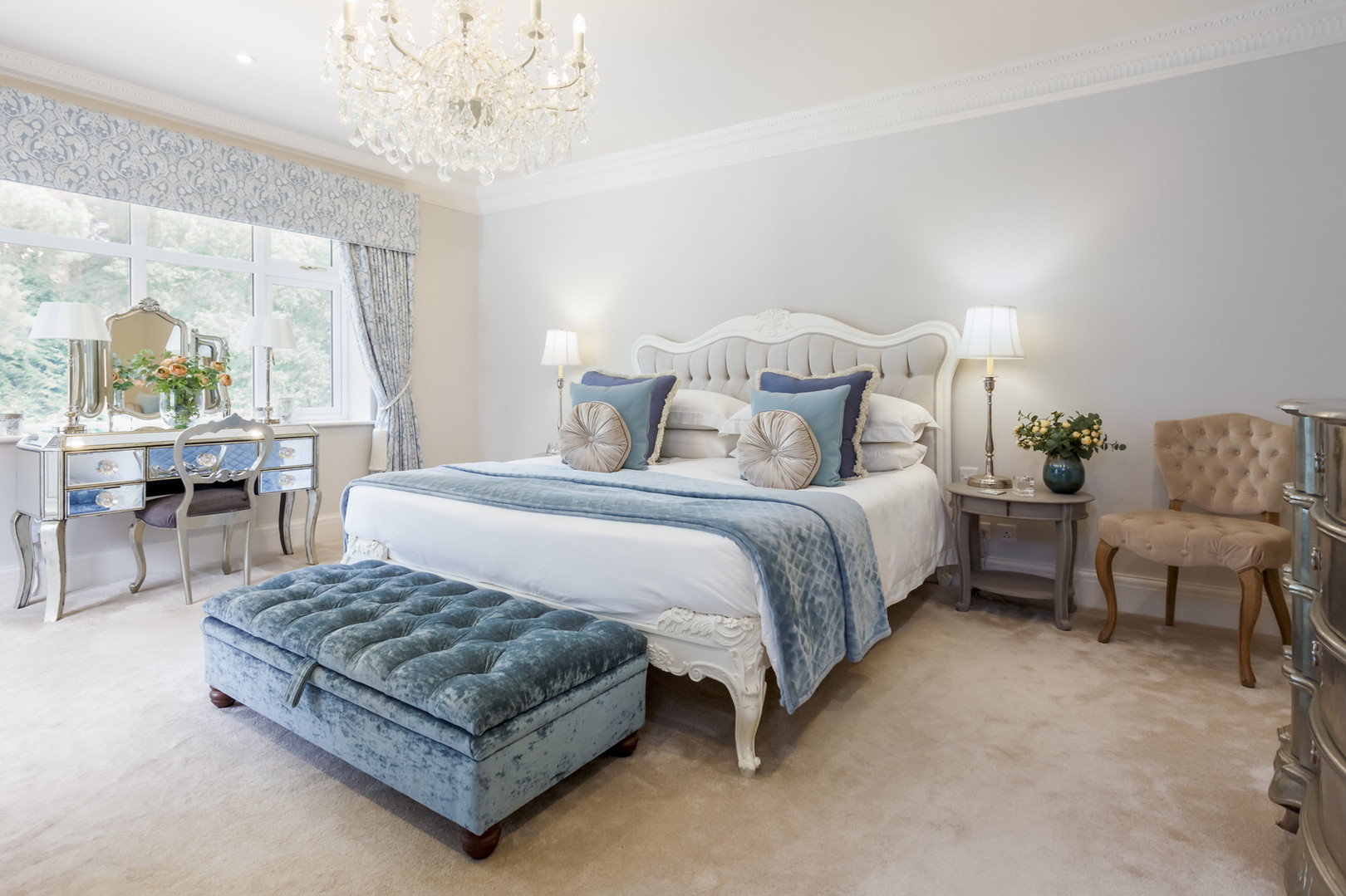 luxury bedroom design_web.jpg