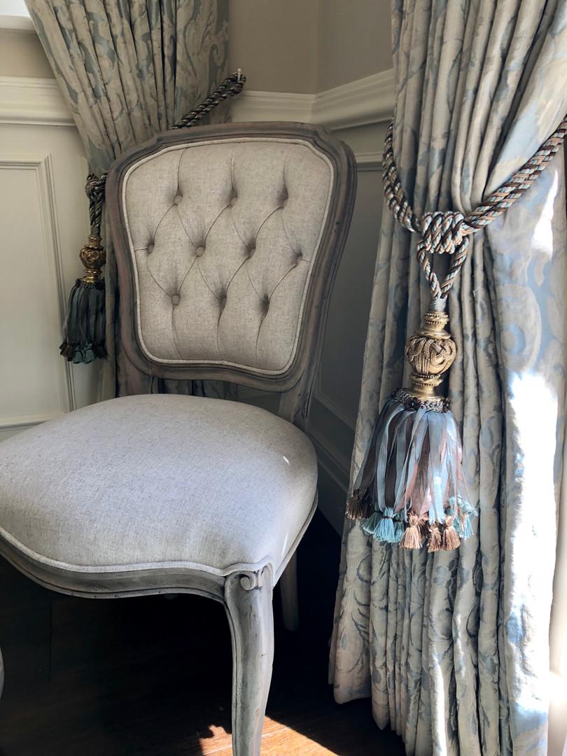 dining room chair.jpg