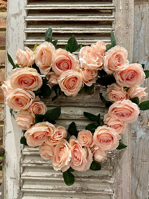 Peachy-Pink rose heart