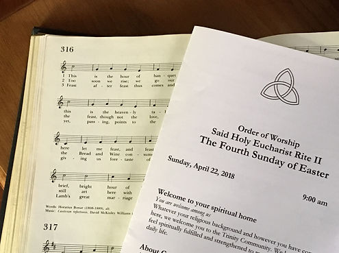 The People of Trinity Hamburg turn to face the Gospel Book during the proclamation of the Gospel.