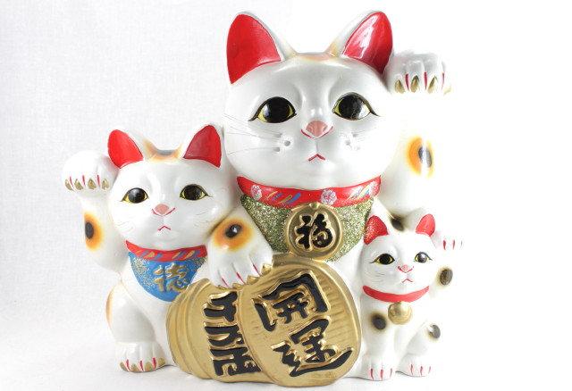 "3 Lucky Cats ""Maneki-neko"" White - Tokoname-ware"