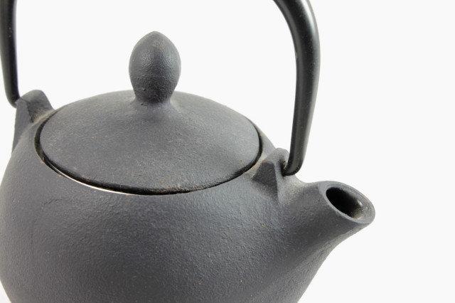 """Teapot """"Marron"""" Matte-Black - Cast Iron"""
