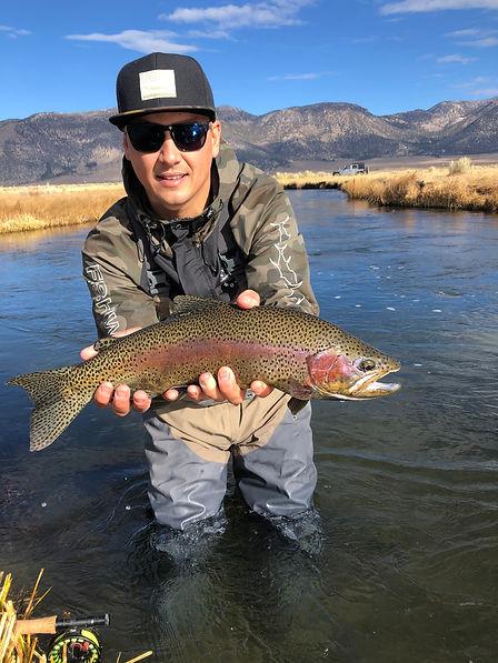 sierratroutdoorsman.com/upperowens_guidedfishing_Flyfishing_mammothlakes