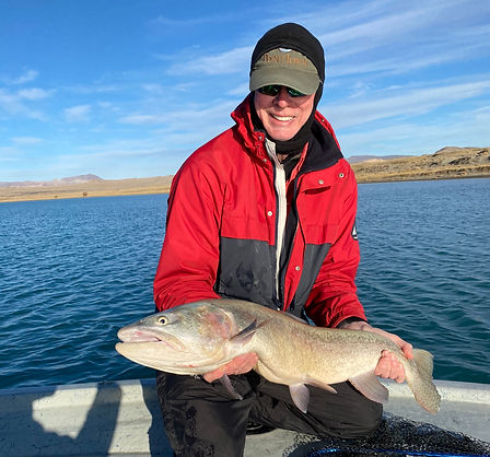 www.sierratroutdoorsman.com/pyramidlake_flyfishing_boatcharter_pilotpeak_cutthroat_guidedflyfishing_Pyramidlakeguide