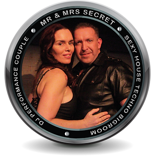 Mr & Mrs Secret Logo 2020.png