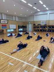 学校・病院・企業への出張ヨガ&瞑想を行っています。