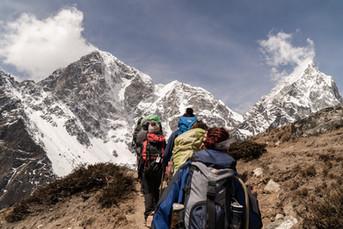 adventure-backpacker-daylight-2609459.jp
