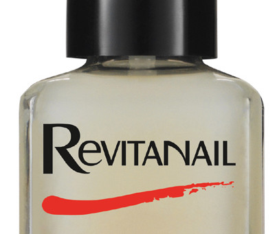 Review: Revitanail Nail Strengthener
