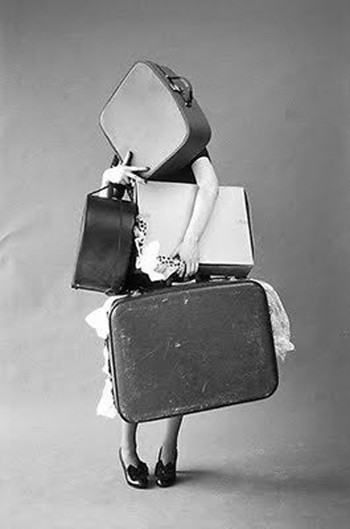 vintage-suitcases-via-cupofjo