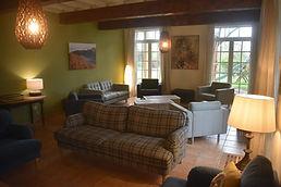 Le salon de l'Écolodge La Garie