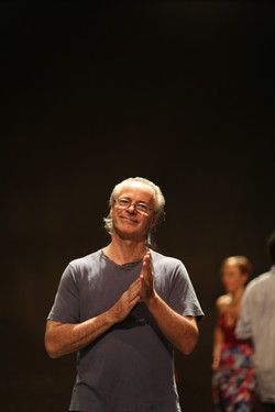 Artistic Director Jorge Niedas