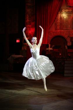 Dancer: Megan Bluth