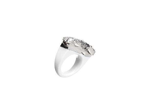 When ring, white porcelain, platinum
