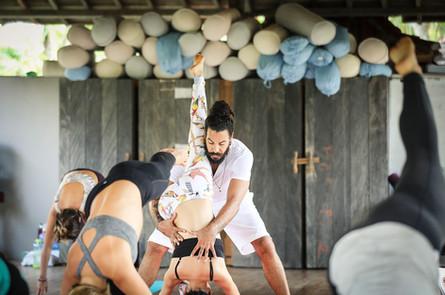 L Best Yoga Adjustment Workshops in Thai