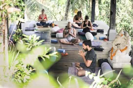 L Best Yoga Training Ubud.jpg