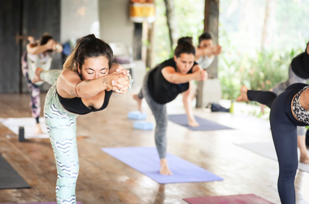 L Best Yoga Teacher Trainings in Thailan