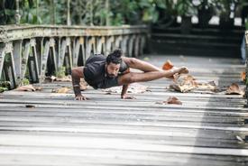 Vari Morales Yoga Teacher
