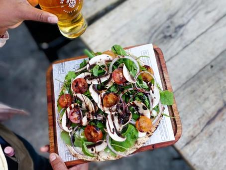 Cervezas, tapeo y diversión, la propuesta de happy hour de Desarmadero Bar