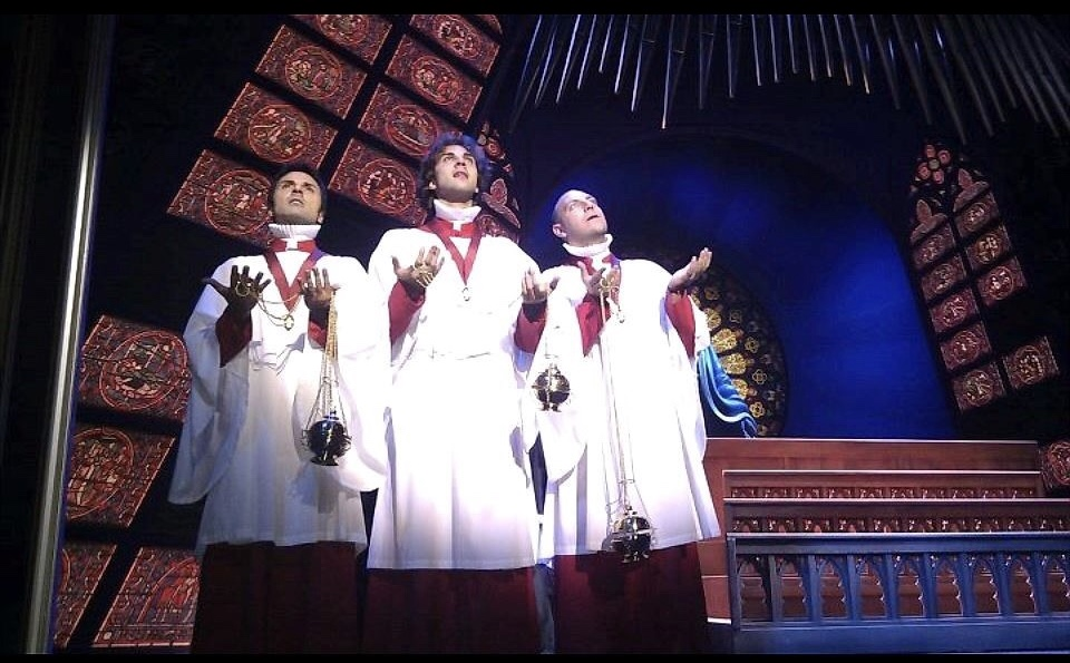 Ensemble in Sister Act