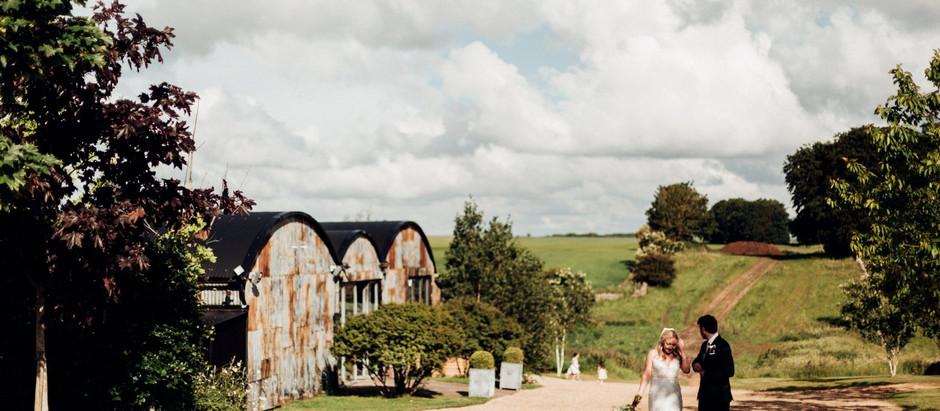Rosie and matt - Cripps stone barn - cotswolds wedding photographer