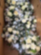 Цветочные композиции в бело-серебряной гамме