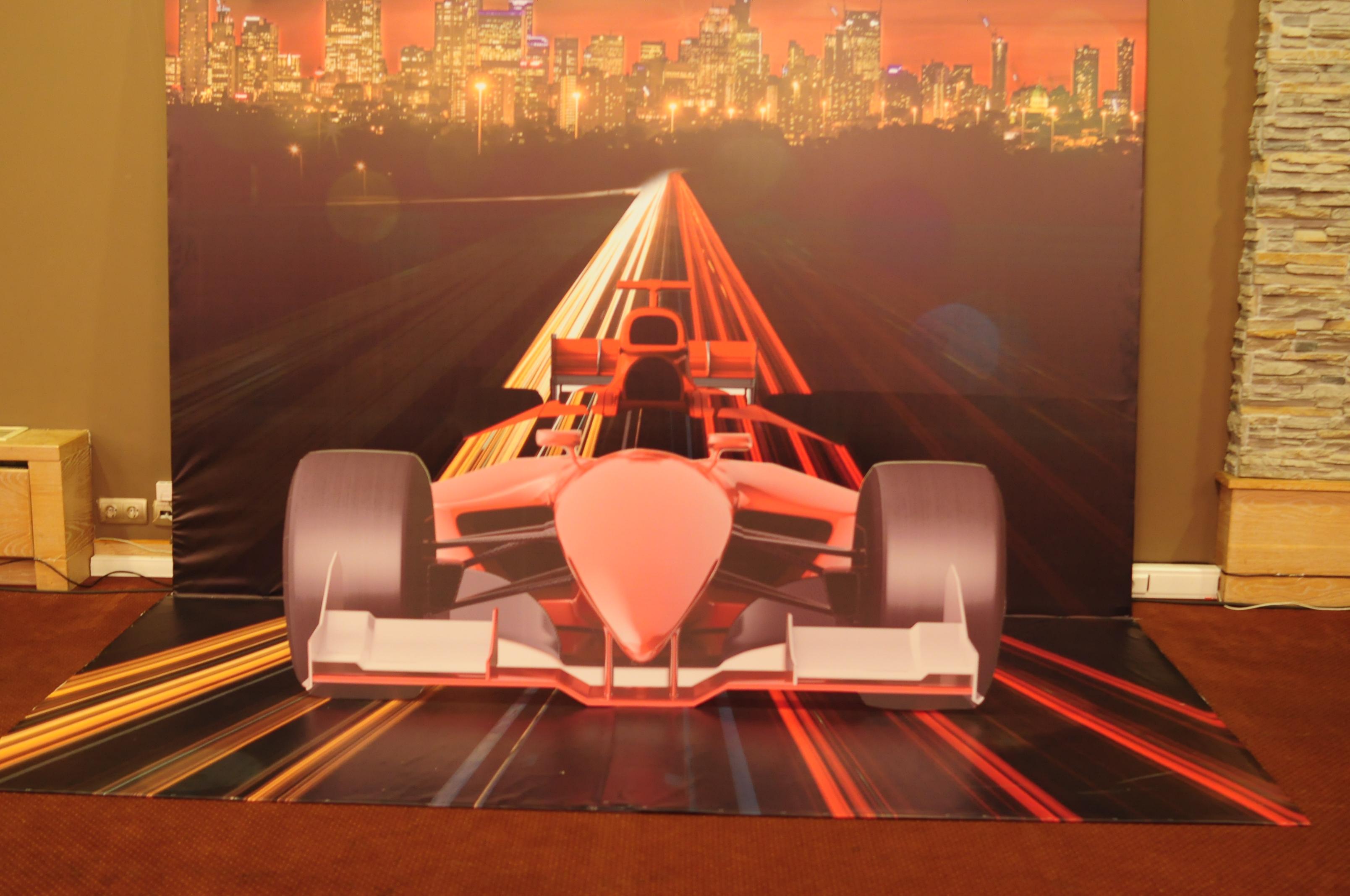 3D фотозона с гоночным болидом
