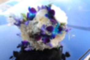 Букет невесты с синими цветами