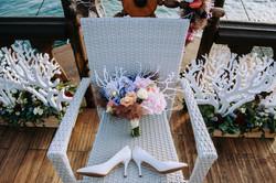 Букет невесты и оформление кораллами