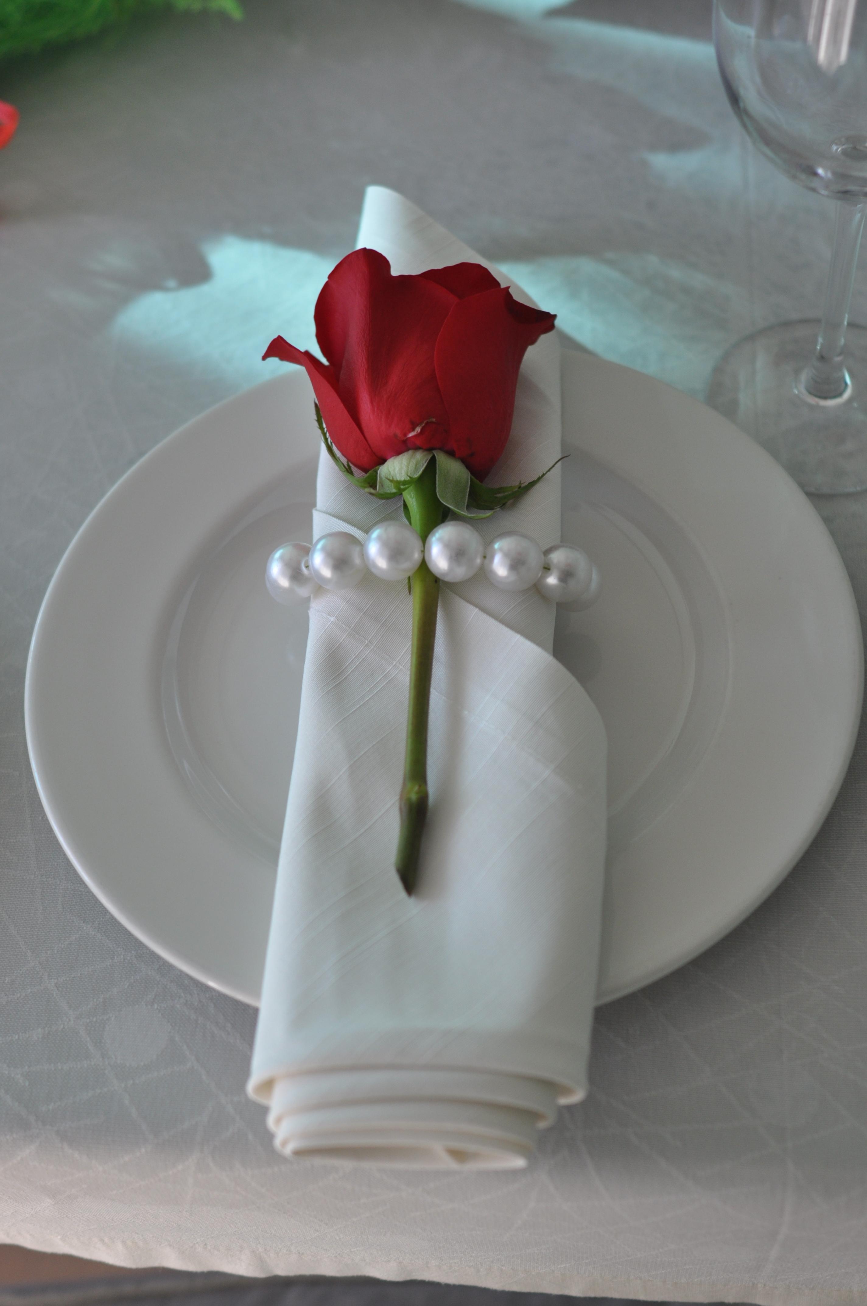 Кольцо для салфетки с жемчугом