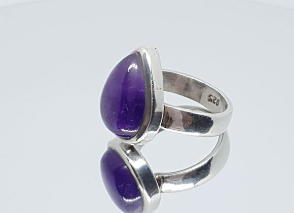 Size M / Vintage Style Cabochon Teardrop Amethyst Sterling Silver Ring