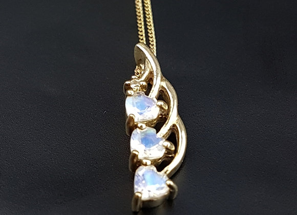Vintage 9ct Gold Heart Moonstone Pendant Necklace