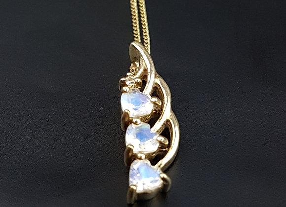 Vintage 9ct Gold Heart Moonstone Pendant Necklace