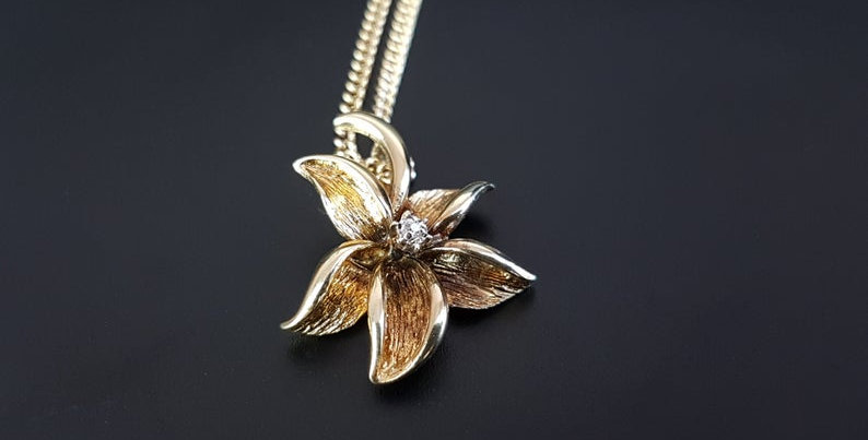 Modernist Style 9ct Gold Diamond Lily Flower Gold Necklace Pendant Vintage